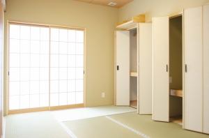 性能向上リノベーション 築43年戸建て住宅をエアコン1台で全館冷暖房する家に