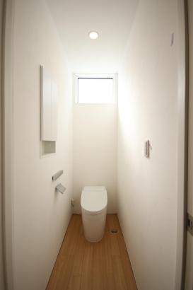 トイレにも自然素材を