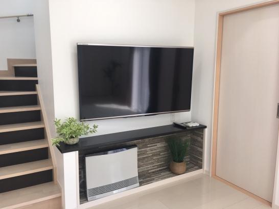 テレビ、和室入り口